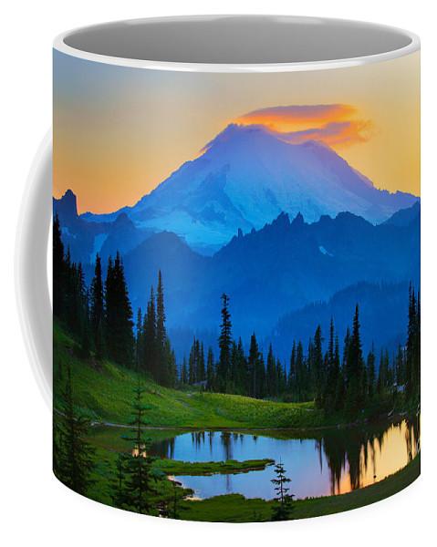 Mount Rainier Coffee Mug featuring the photograph Mount Rainier Goodnight by Inge Johnsson