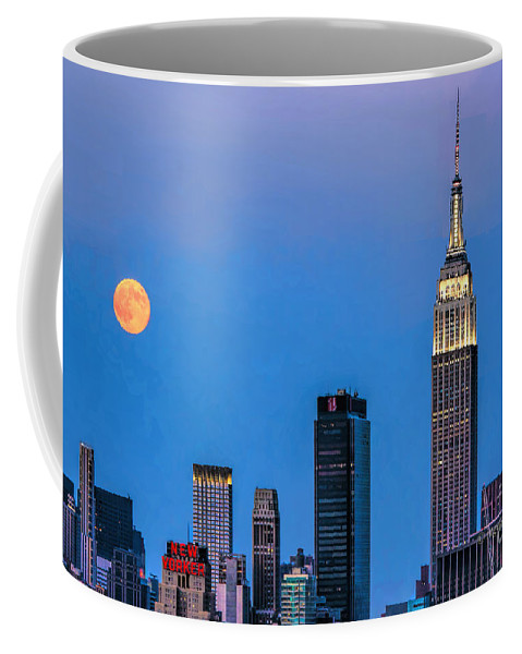 Supermoon August 2014 Coffee Mug featuring the photograph Nyc Under The Supermoon by Regina Geoghan