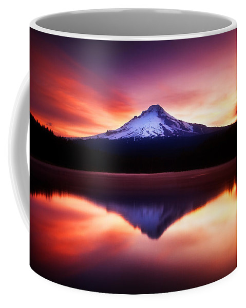 Trillium Lake Coffee Mug featuring the photograph Peaceful Morning On The Lake by Darren White