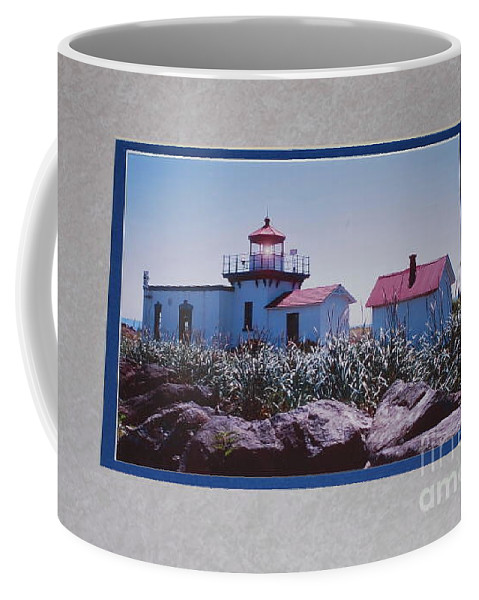 Point No Point Coffee Mug featuring the photograph Point No Point by Sharon Elliott