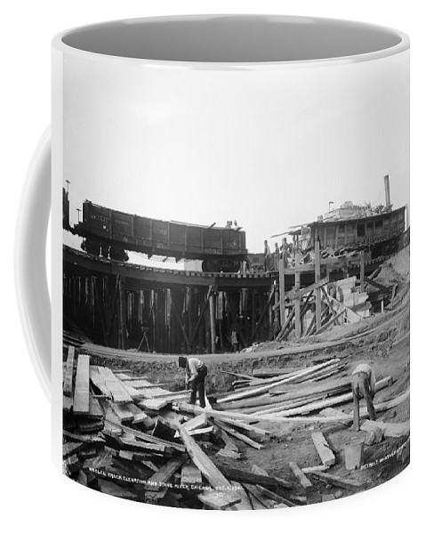 1901 Coffee Mug featuring the photograph Railroad Workers, 1901 by Granger