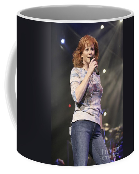 Dress Coffee Mug featuring the photograph Reba Mcentire by Concert Photos