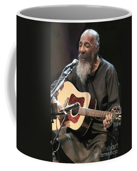Singer Coffee Mug featuring the photograph Richie Havens by Concert Photos