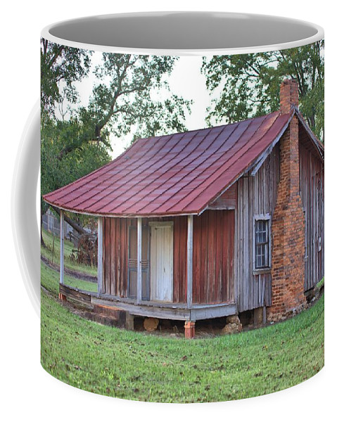 2647 Coffee Mug featuring the photograph Rural Georgia Cabin by Gordon Elwell