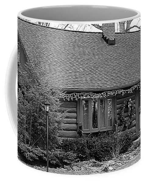 Cabin Coffee Mug featuring the photograph Scenic Cabin by Frozen in Time Fine Art Photography