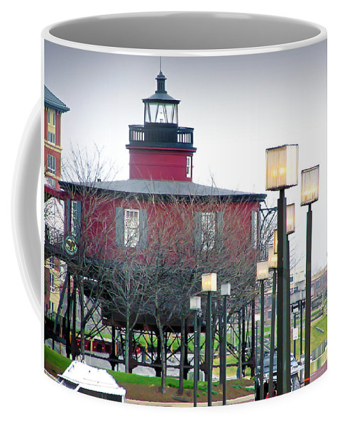 2d Coffee Mug featuring the photograph Seven Foot Knoll Lighthouse by Brian Wallace