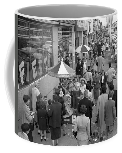 1954 Coffee Mug featuring the photograph Shopping In Detroit by Underwood Archives