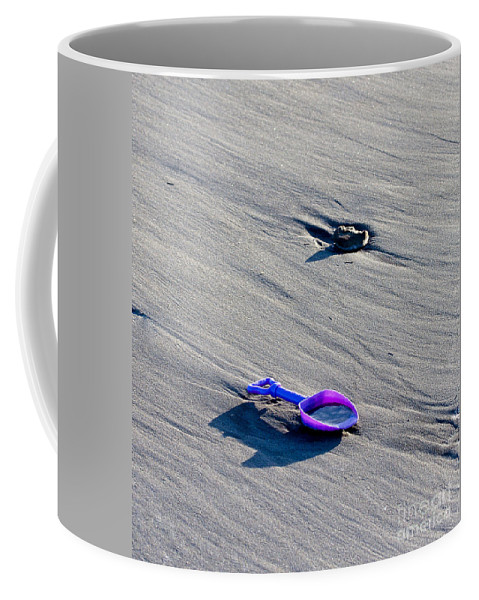 Maine Coffee Mug featuring the photograph Pink Toy Spade by Steven Ralser