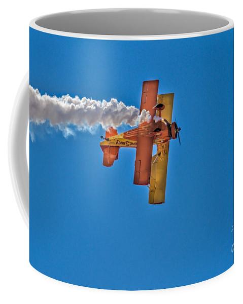 Gene Coffee Mug featuring the photograph Showcat by Robert Bales