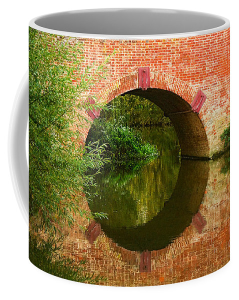 Travel Coffee Mug featuring the photograph Sonning Bridge On The River Thames by Louise Heusinkveld