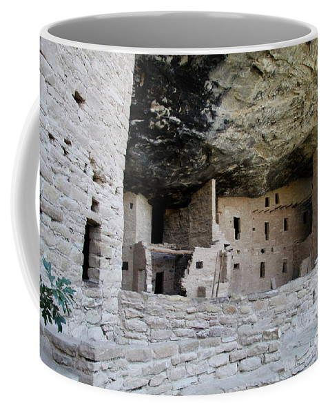Spruce Tree House Coffee Mug featuring the photograph Spruce Tree House Archaeological Site by Christiane Schulze Art And Photography