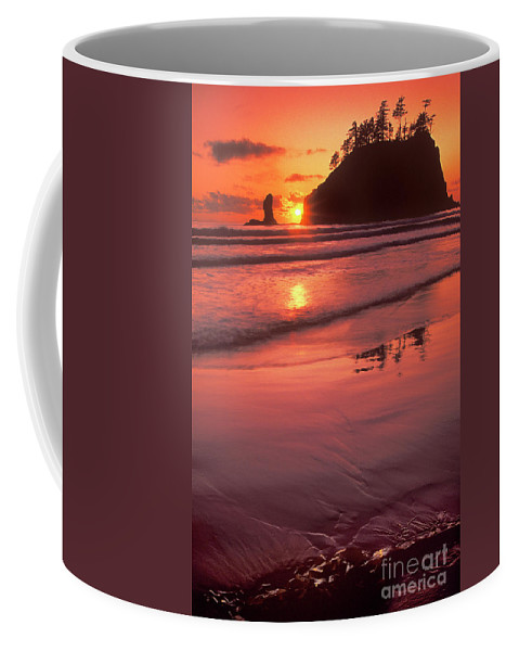 North America Coffee Mug featuring the photograph Sunset At Second Beach Olympic National Park by Dave Welling