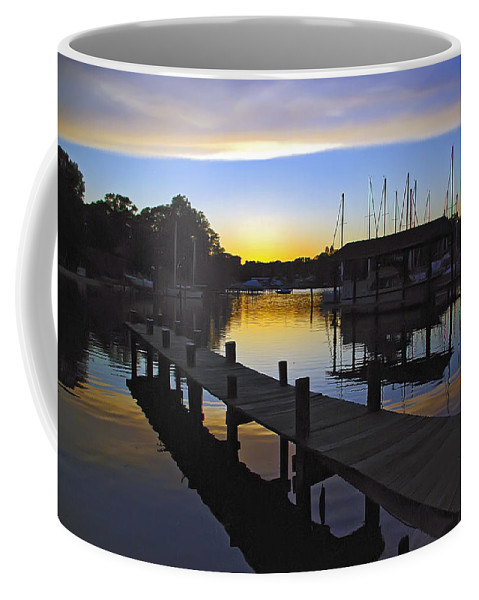 2d Coffee Mug featuring the photograph Sunset Silhouette by Brian Wallace