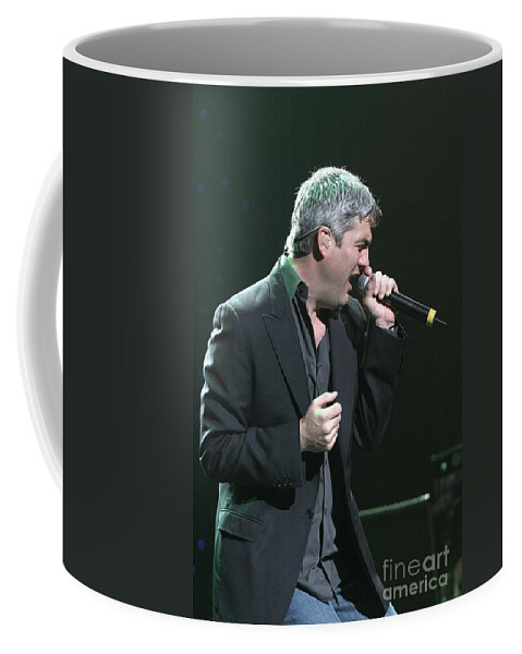 Contestant On The Fifth Season Of American Idol Coffee Mug featuring the photograph Taylor Hicks by Concert Photos