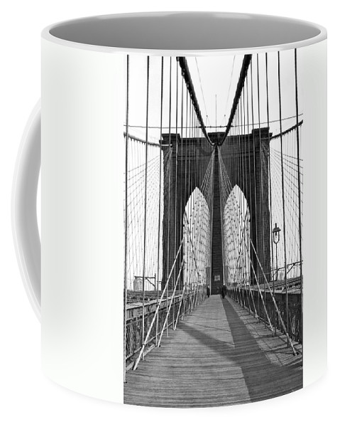 1923 Coffee Mug featuring the photograph The Brooklyn Bridge by Underwood Archives