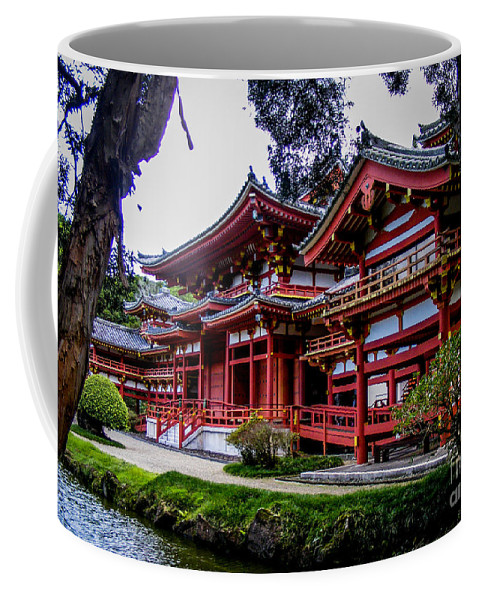 Buddhist Coffee Mug featuring the photograph The Byodo-in Temple 2 by Charlene Gauld
