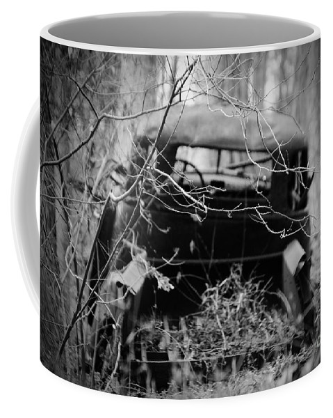Amicalola Coffee Mug featuring the photograph The Pick Up by Jost Houk