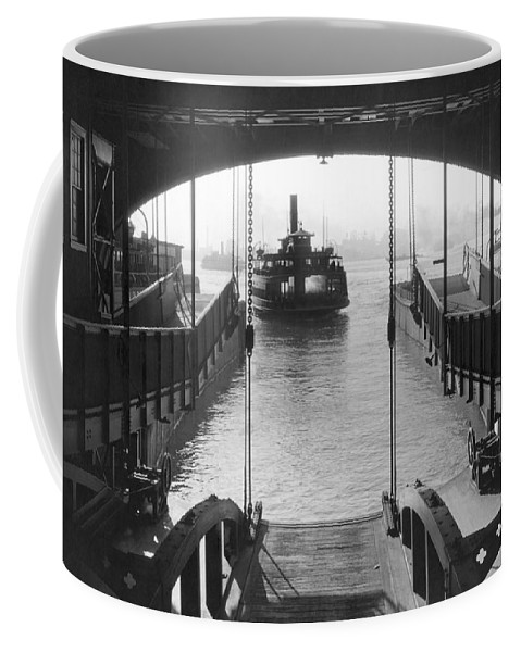 1931 Coffee Mug featuring the photograph The Staten Island Ferry by Underwood Archives