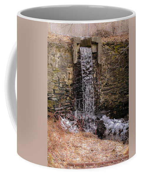 Waterfall Coffee Mug featuring the photograph The Waterfall At Hagy's Mill by Bill Cannon