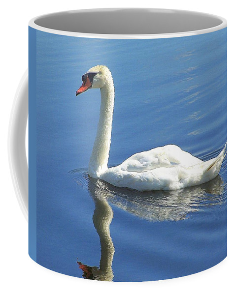 Swan Coffee Mug featuring the photograph Tranquility by Frozen in Time Fine Art Photography