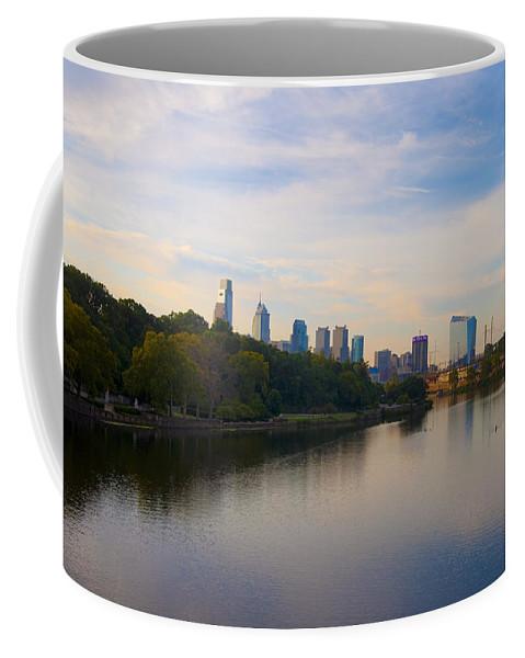 Philadelphia Coffee Mug featuring the photograph View Of Philadelphia From The Girard Avenue Bridge by Bill Cannon