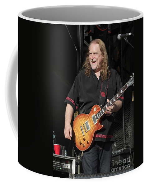 Singer Coffee Mug featuring the photograph Warren Haynes by Concert Photos