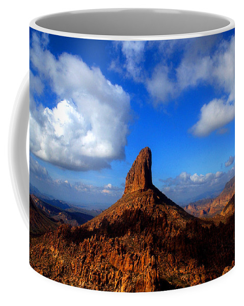 Weaver�s Needle Phoenix Arizona Superstition Wilderness Tonto National Forest Saguaro Cacti Cactus Lost Dutchman Gold Mine Weaver's Needle Thick Layer Of Tuff (fused Volcanic Ash) Was Heavily Eroded Coffee Mug featuring the photograph Weaver's Needle by Reed Rahn