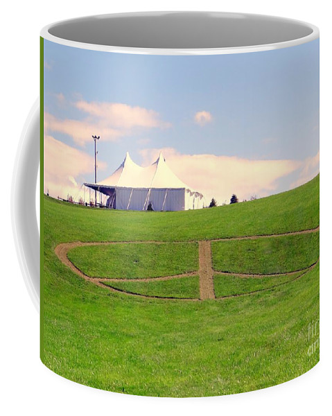 Peace Sign Coffee Mug featuring the photograph Woodstock Hill Of Peace by Ed Weidman