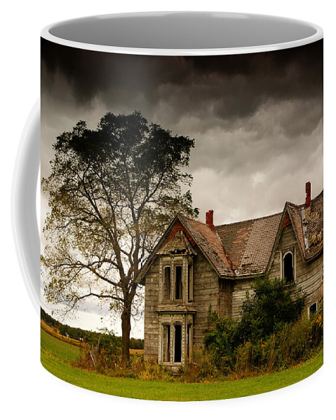 Farm Coffee Mug featuring the photograph Abandoned House by Cale Best