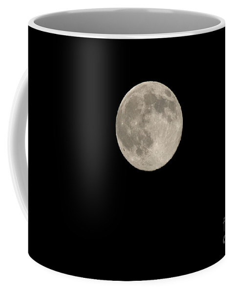 Sky Coffee Mug featuring the photograph Full Moon by Yuichi Takasaka