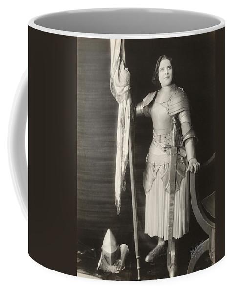 1916 Coffee Mug featuring the photograph Geraldine Farrar (1882-1967) by Granger