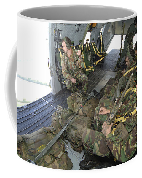 British Army Coffee Mug featuring the photograph Members Of The Pathfinder Platoon by Andrew Chittock