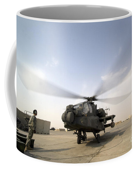 Chain Gun Coffee Mug featuring the photograph An Ah-64d Apache Longbow Block IIi by Terry Moore