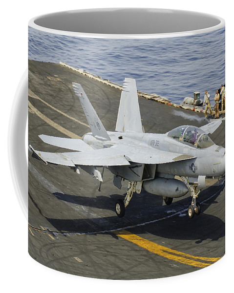 Transportation Coffee Mug featuring the photograph An Fa-18e Super Hornet Trap Landing by Giovanni Colla