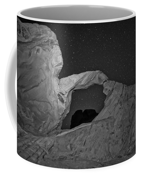 Arch Coffee Mug featuring the photograph Arch In Valley Of Fire Nevada by Rick Berk
