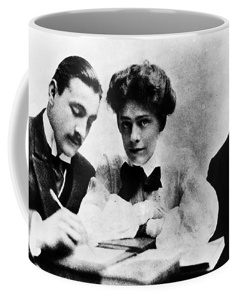 1904 Coffee Mug featuring the photograph Barrymore Siblings, 1904 by Granger