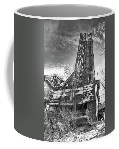 Bridge Coffee Mug featuring the photograph Buffalo Bridges 10624b by Guy Whiteley