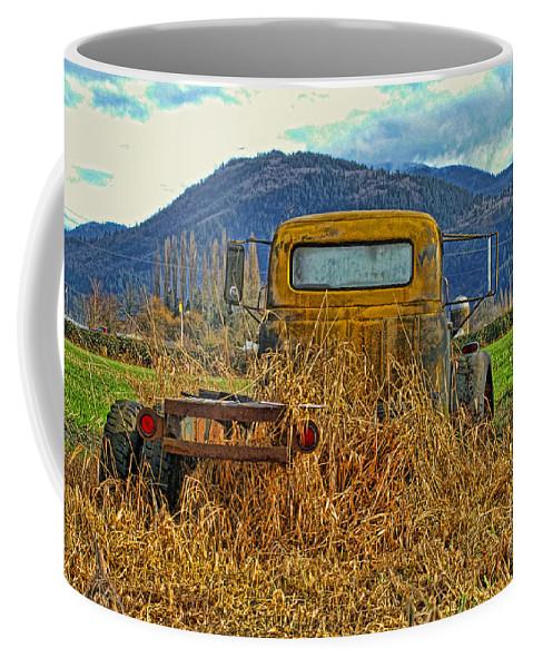 Trucks Coffee Mug featuring the photograph Caoc2007-08 by Randy Harris