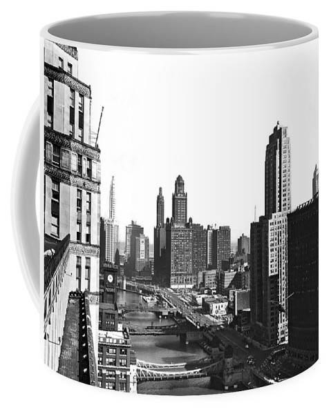 1940's Coffee Mug featuring the photograph Chicago River In Chicago by Underwood Archives