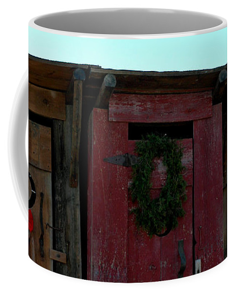 Usa Coffee Mug featuring the photograph Christmas Out House The Perfect Gift For Those On The Go by LeeAnn McLaneGoetz McLaneGoetzStudioLLCcom