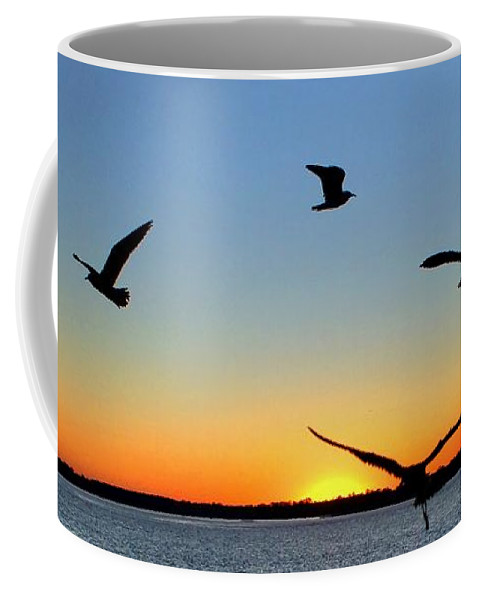 Sunrise Coffee Mug featuring the photograph Circle Meeting At Sunrise by Benanne Stiens