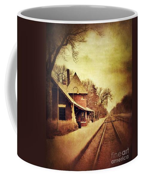 Station Coffee Mug featuring the photograph Glencoe Train Station by Jill Battaglia