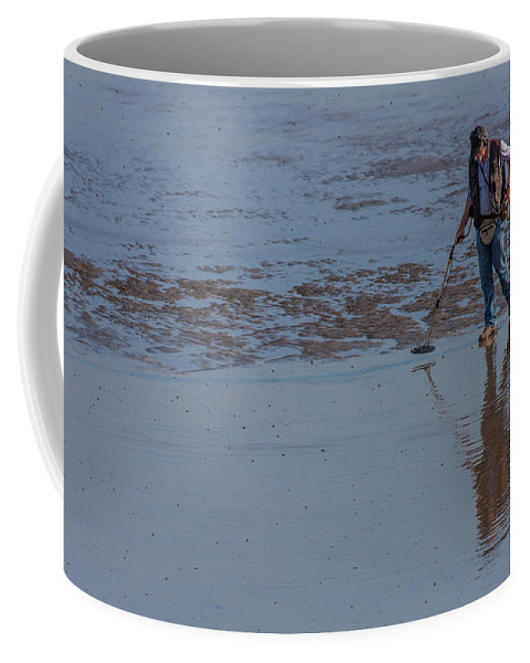 Beach Coffee Mug featuring the photograph Looking For Treasure by Dawn OConnor