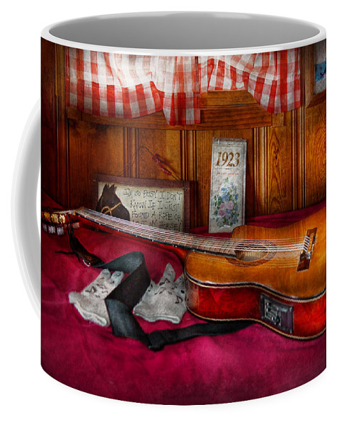 Guitar Coffee Mug featuring the photograph Music - Guitar - That Old Country Feel by Mike Savad