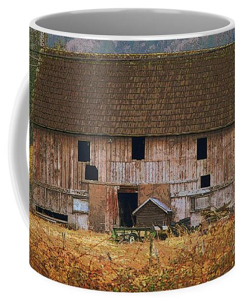 Barns Coffee Mug featuring the photograph Old Rosedale Barn by Randy Harris