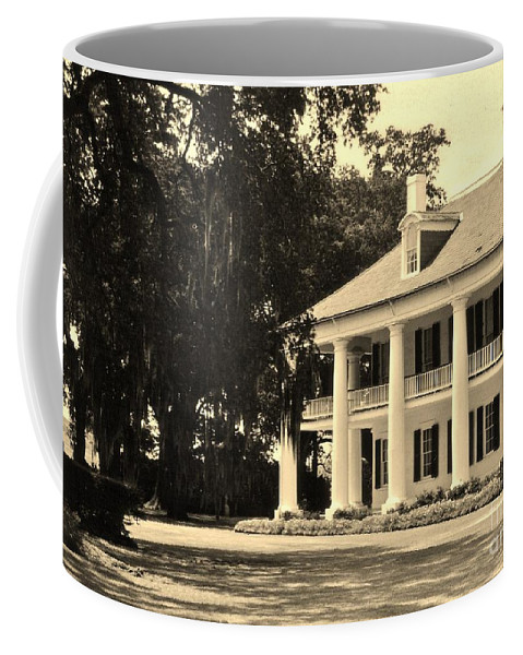 Plantation Coffee Mug featuring the photograph Old Southern Plantation by John Malone