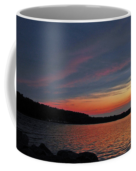 Usa Coffee Mug featuring the photograph Pink Sky At Night by LeeAnn McLaneGoetz McLaneGoetzStudioLLCcom