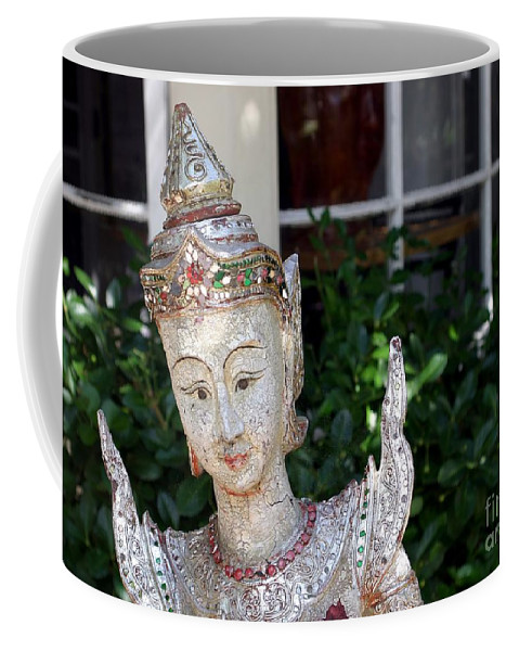 Garden Coffee Mug featuring the photograph Pretty Garden by Living Color Photography Lorraine Lynch