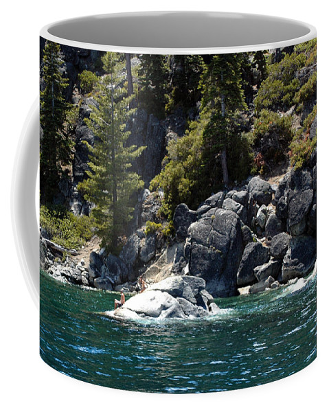 Usa Coffee Mug featuring the photograph Rock Diving by LeeAnn McLaneGoetz McLaneGoetzStudioLLCcom