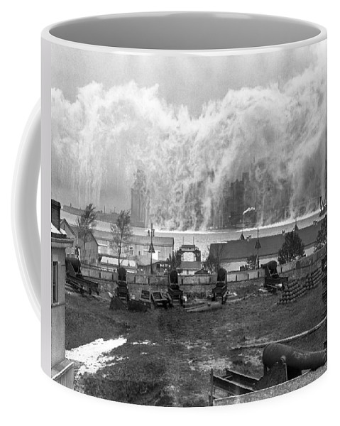 1920's Coffee Mug featuring the photograph Smoke Screen Around Manhattan by Underwood Archives